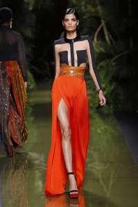 balmain-fashion-week-spring-summer-2017-paris-womenswear-039