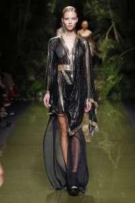 balmain-fashion-week-spring-summer-2017-paris-womenswear-052