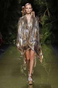 balmain-fashion-week-spring-summer-2017-paris-womenswear-054