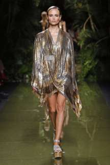 balmain-fashion-week-spring-summer-2017-paris-womenswear-054