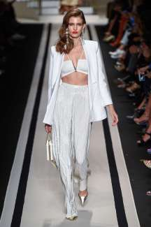 elisabetta-franchi-fashion-week-spring-summer-2017-milan-womenswear-001