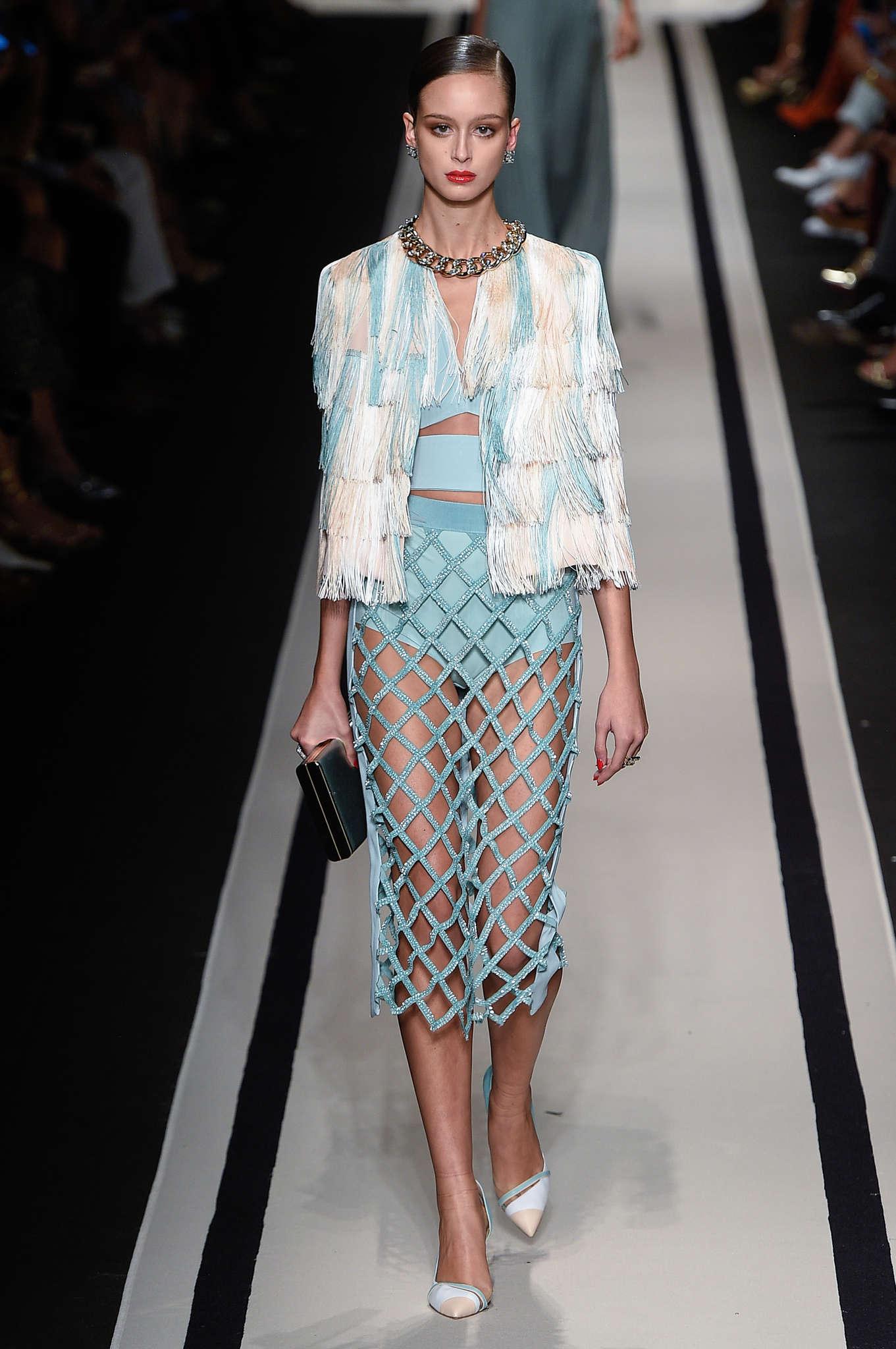 6d964a9455 elisabetta-franchi-fashion-week-spring-summer-2017-milan-womenswear ...