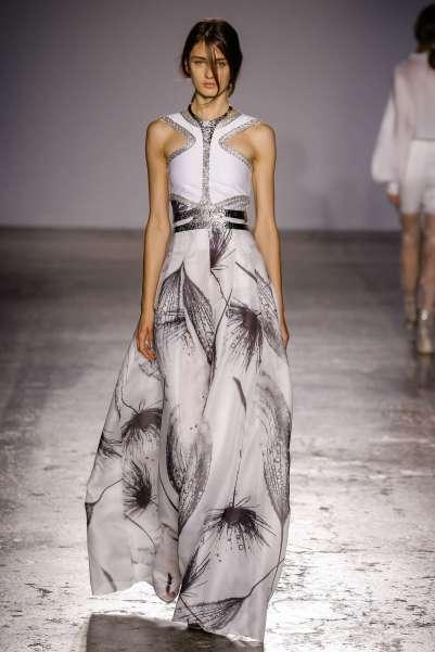 genny-fashion-week-spring-summer-2017-milan-womenswear-012