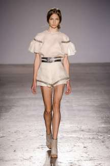 genny-fashion-week-spring-summer-2017-milan-womenswear-014
