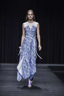 tea-ashida-spring-summer-2017-tokyo-womenswear-catwalks