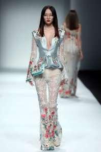 wang-feng-spring-summer-2017-shanghai-womenswear-catwalks-007