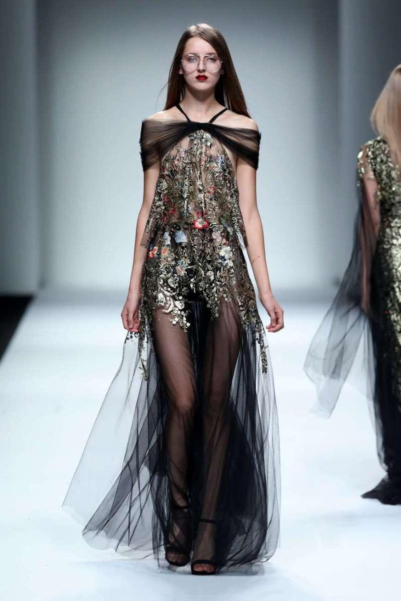wang-feng-spring-summer-2017-shanghai-womenswear-catwalks-026