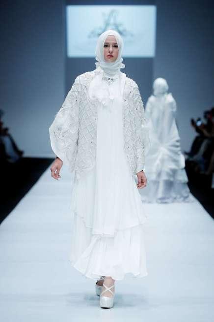 ayu-dyah-andari-spring-summer-2017-jakarta-womenswear-catwalks-007