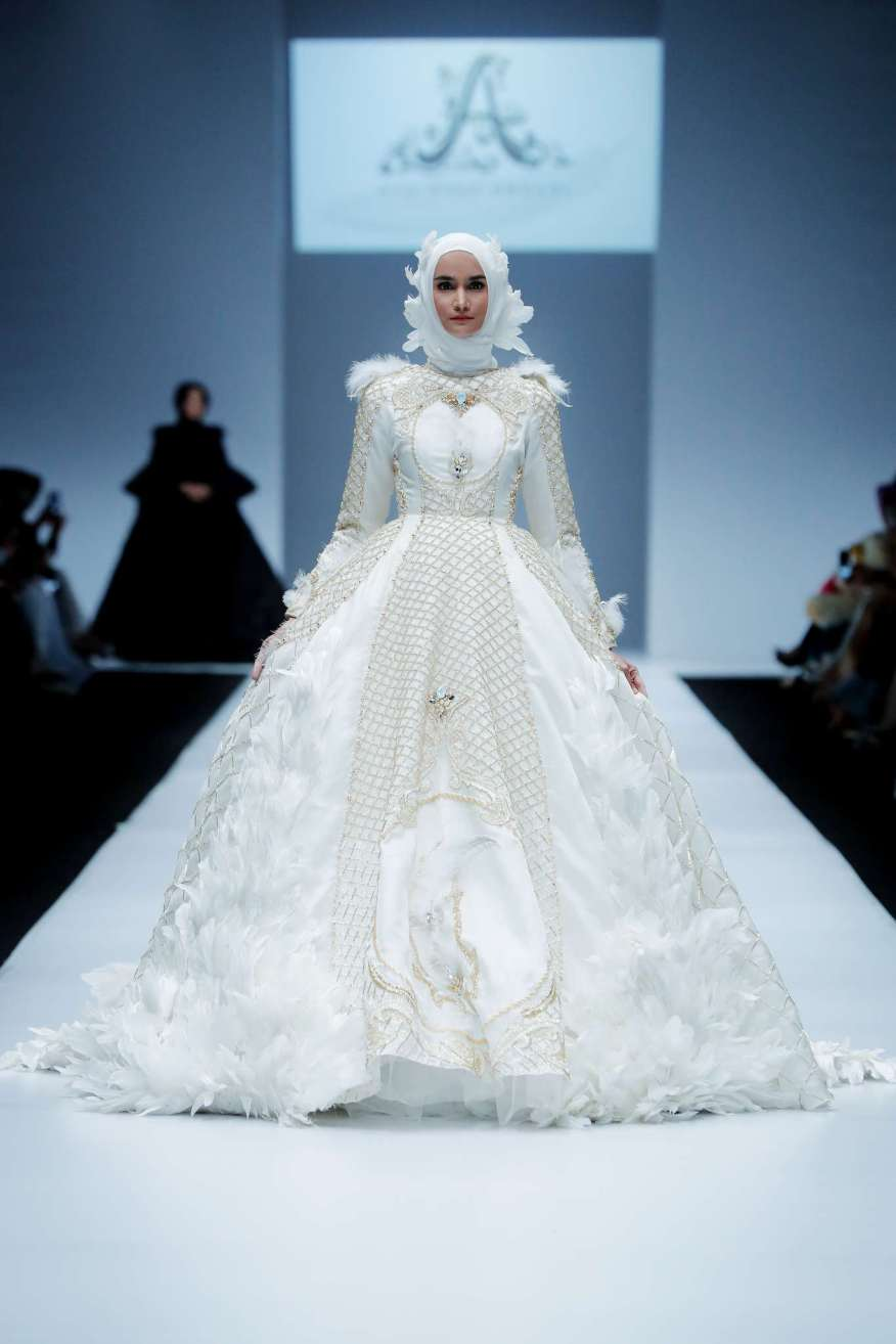 ayu-dyah-andari-spring-summer-2017-jakarta-womenswear-catwalks-011