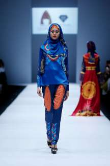 lusense-kd-and-hans-virgoro-spring-summer-2017-jakarta-womenswear-catwalks-001