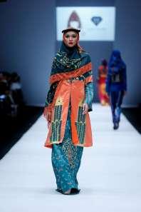 lusense-kd-and-hans-virgoro-spring-summer-2017-jakarta-womenswear-catwalks-002