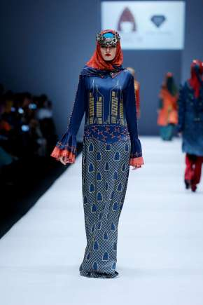 lusense-kd-and-hans-virgoro-spring-summer-2017-jakarta-womenswear-catwalks-004