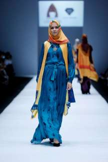 lusense-kd-and-hans-virgoro-spring-summer-2017-jakarta-womenswear-catwalks-007