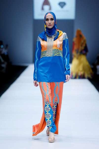 lusense-kd-and-hans-virgoro-spring-summer-2017-jakarta-womenswear-catwalks-011