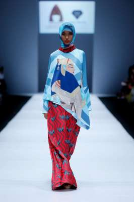 lusense-kd-and-hans-virgoro-spring-summer-2017-jakarta-womenswear-catwalks-018
