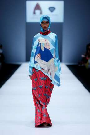 lusense-kd-and-hans-virgoro-spring-summer-2017-jakarta-womenswear-catwalks-018