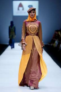lusense-kd-and-hans-virgoro-spring-summer-2017-jakarta-womenswear-catwalks-020