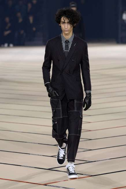 dior-homme-fall-winter-2017-paris-menswear-catwalks-003