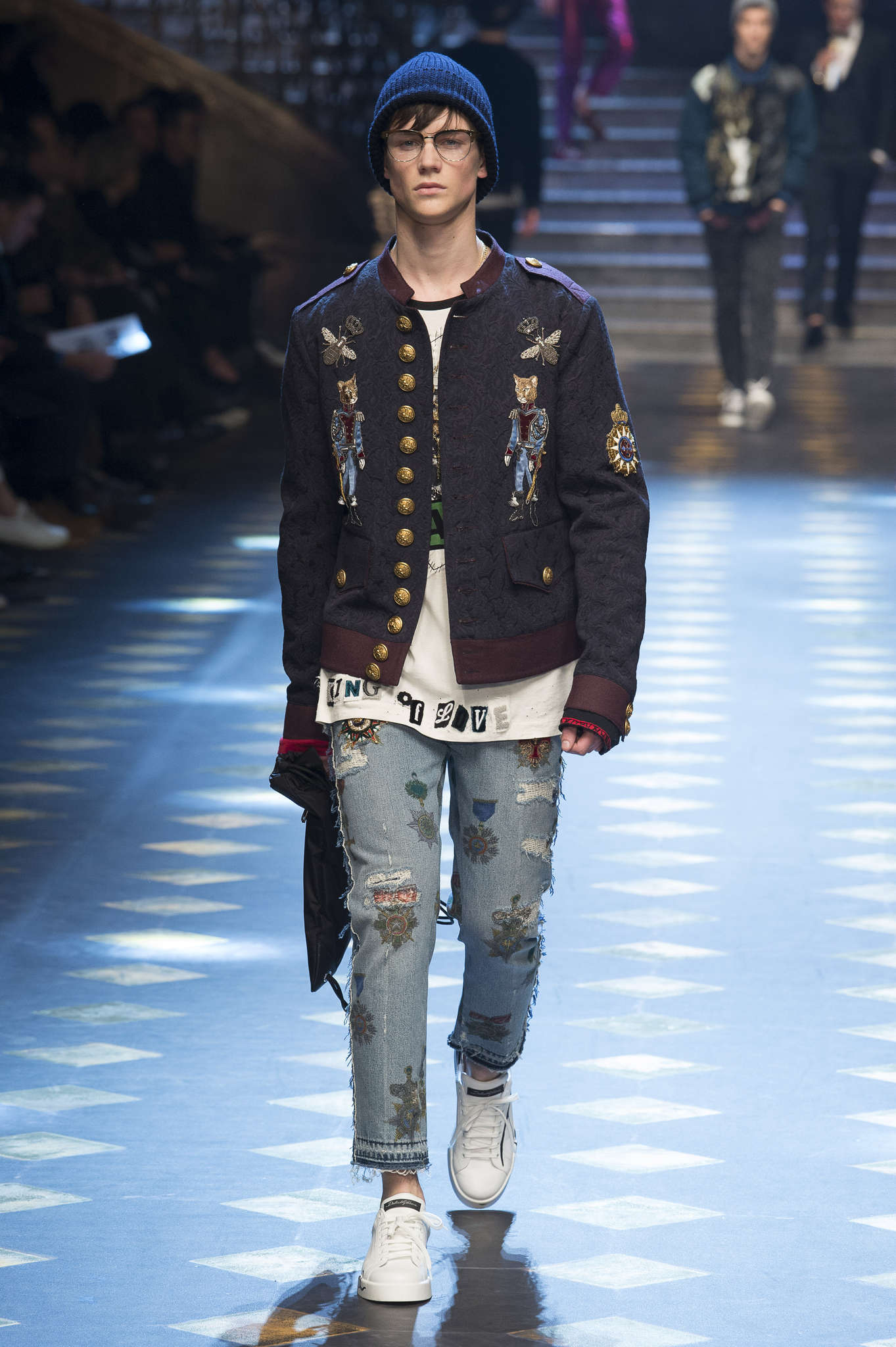 e480def3 dolce-gabbana-fall-winter-2017-milan-menswear-catwalks-023 ...