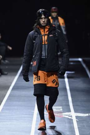 plein-sport-fall-winter-2017-milan-menswear-catwalks-012