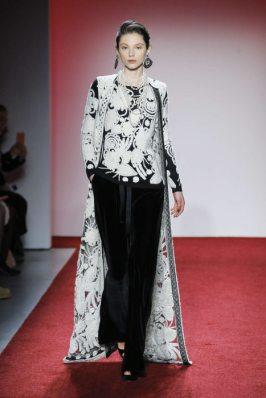 naeem-khan-fall-winter-2017-new-york-womenswear-catwalks-005
