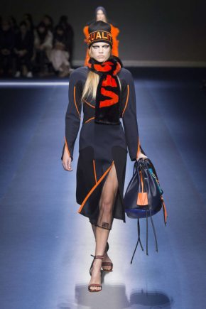 Versace Fall-Winter 2017 Milan Womenswear Catwalks-005